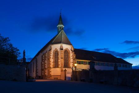 Nuit bleutée sur le couvent