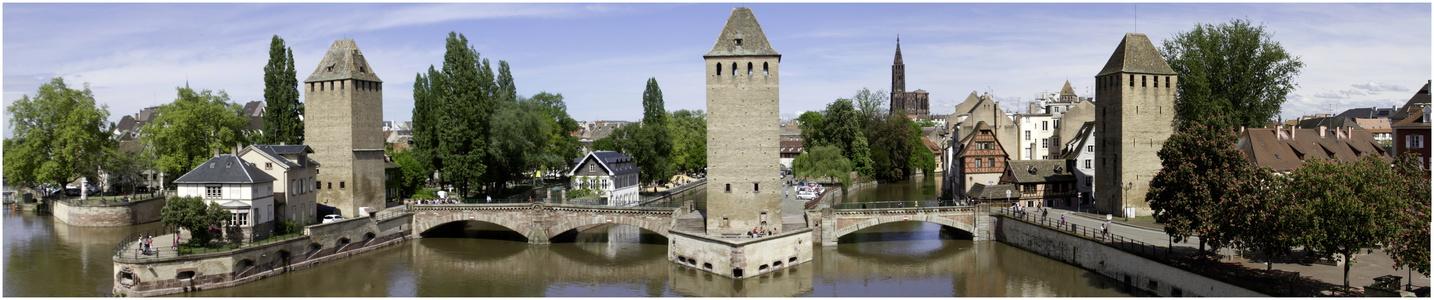 Les trois tours de l Terrasse panoramique du Barrage Vauban
