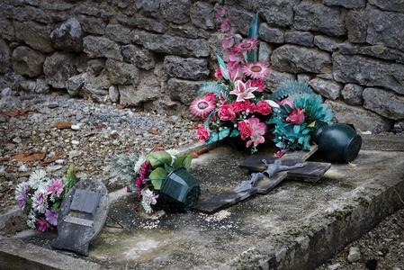 Mort d'une tombe 2